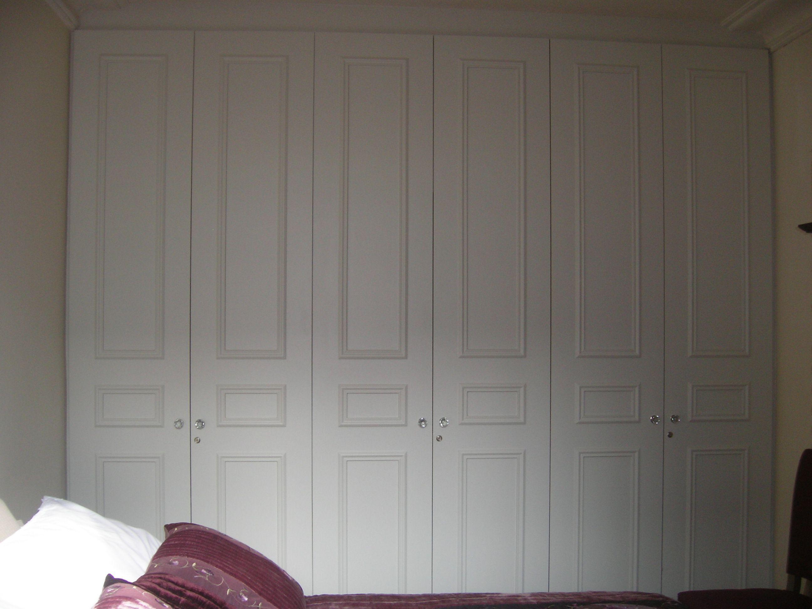 Placard avec portes moulur es - Porte de placard avec cadre ...